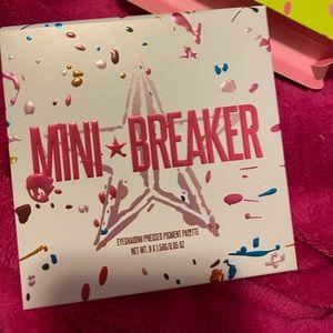 Jeffree Star Mini breaker eyeshadow palette